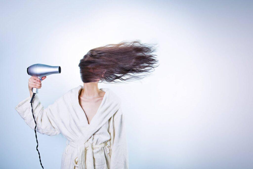 Suszarki do włosów ranking - Jak wybrać najlepszy model (2020)