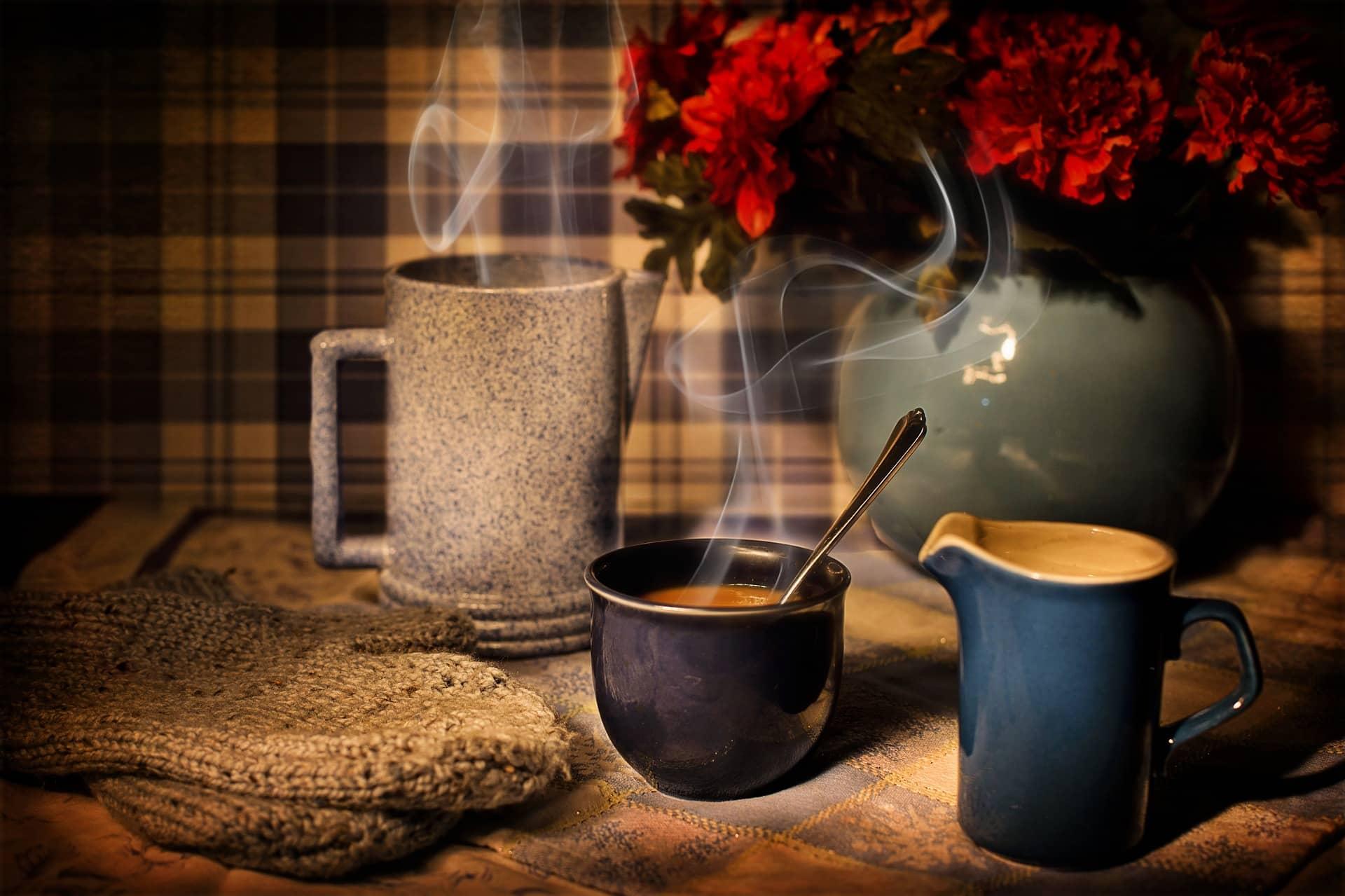 Czym się różni kawa z ekspresu od zwykłej parzonej